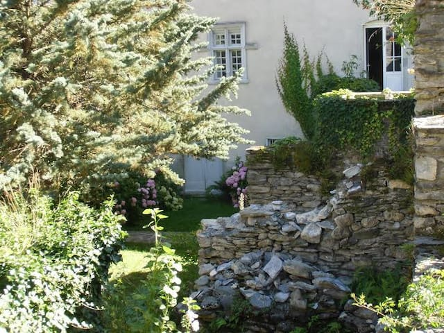 La Tour de Guet - Antignac - Bed & Breakfast