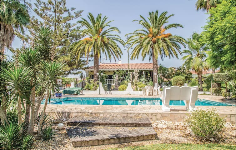 Holiday cottage with 2 bedrooms on 150 m² in Vinaròz