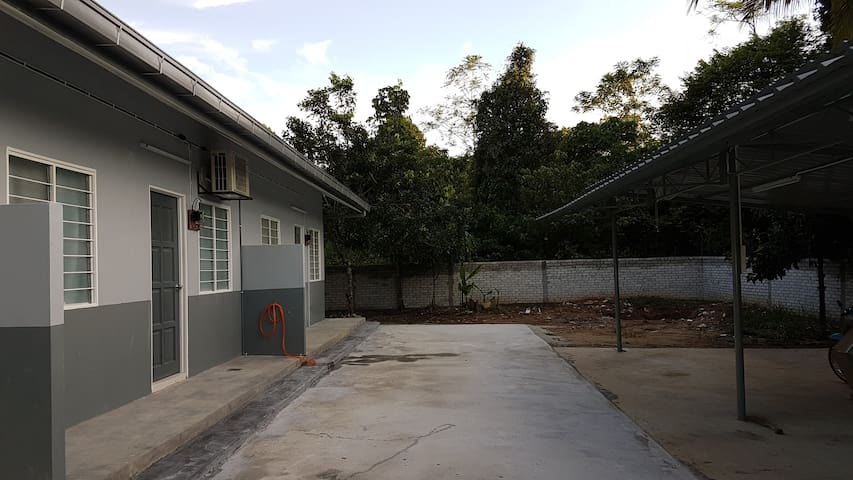 HOMESTAY - Lot 1138, Kg Rawa Hilir, Lenggeng, NS