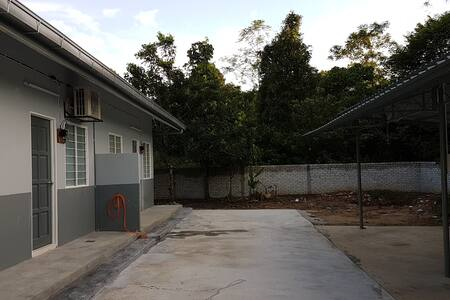 HOMESTAY - Lot 1138, Kg Rawa Hilir, Lenggeng, NS - Rumah