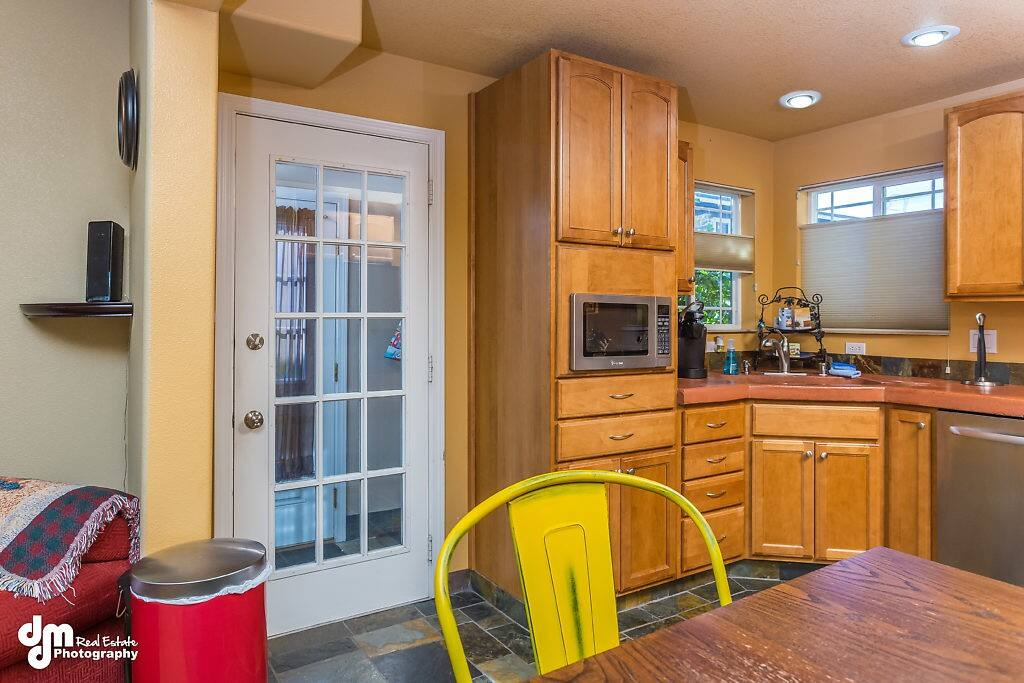 Kitchen/Side Entrance