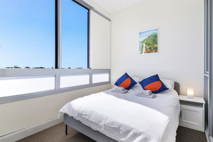 This room is perfect for responsible guests on a budget who travelling by themselves! A great room for anyone who wants scenic views, and a comfortable bed. Fits up to two adults or three children.