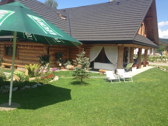 Cała góra domu z bali 5 pokoi 2 i 3 - Ustrzyki Dolne - Rumah
