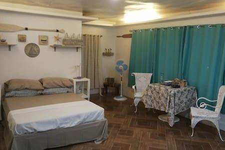 lorenzo's shack. 1 bedroom/t&b with wifi