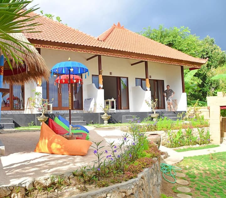 Nusa Ceningan 8Adult Non Breakfast  WGuest House