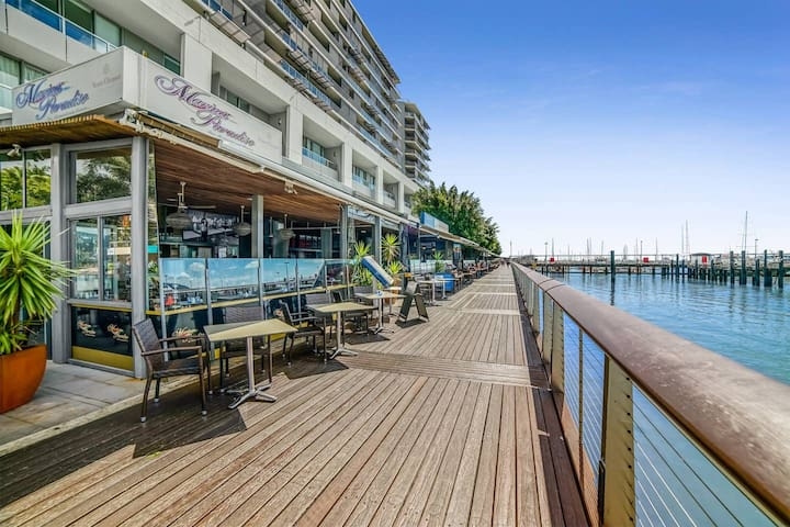Absolute waterfront in Reef Fleet Terminal complex