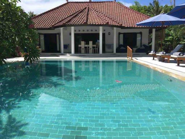 Villa Winnie - your private luxury island getaway!
