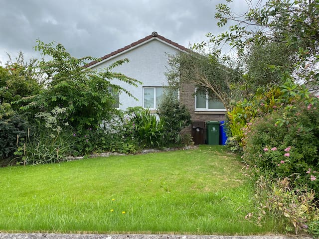 3 bed bungalow in Stirling
