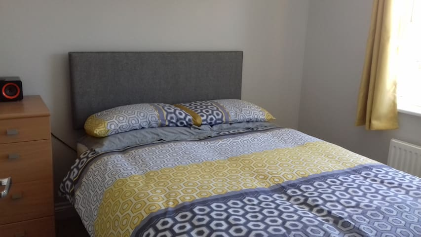 Quiet double room near  airport.  Ideal location