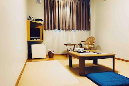 まなべ旅館 和室 4.5畳