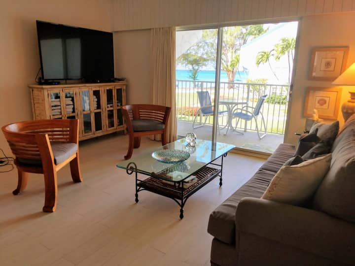 LUXURY CONDO ON SEVEN MILE BEACH ON GRAND CAYMAN