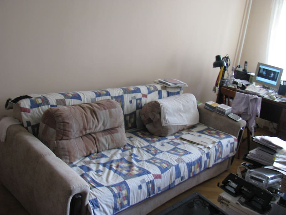 Bed for 2 people - but not TWIN bed
