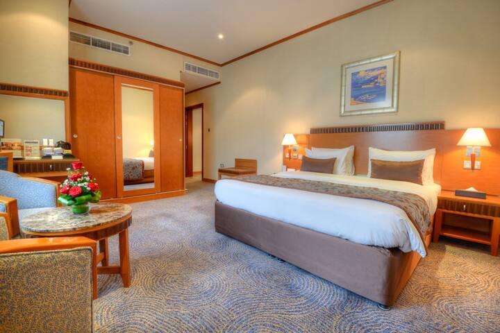 Golden Tulip Al Barsha Hotel - ดูไบ - ที่พักพร้อมอาหารเช้า