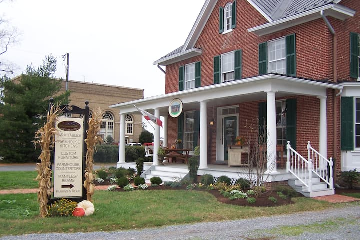 Historic 1881 Main Street Home - Purcellville - Muu