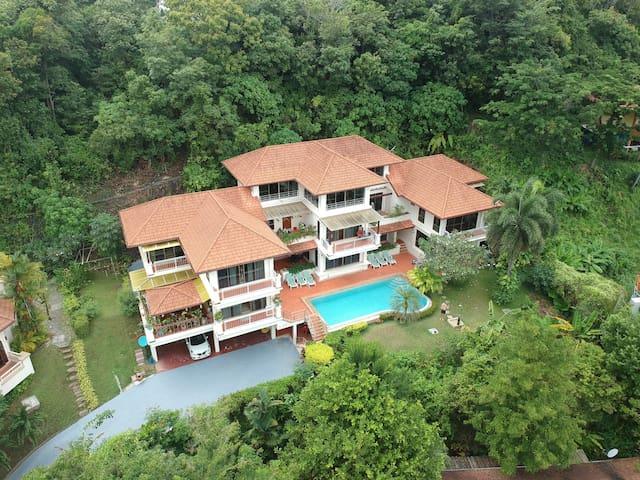 Small 4 private villa block