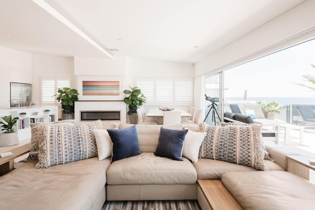 Beachousesix - Stunning Ocean Views from a Stylish Home