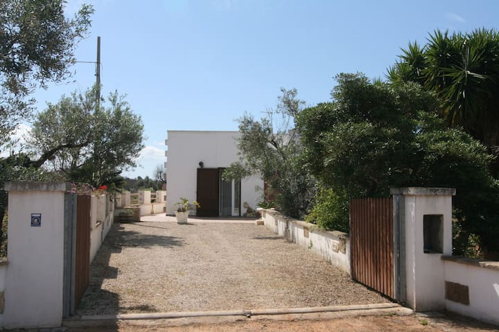 Idyllic Holiday Home with Air Conditioning, Garden & Terrace; Parking Available