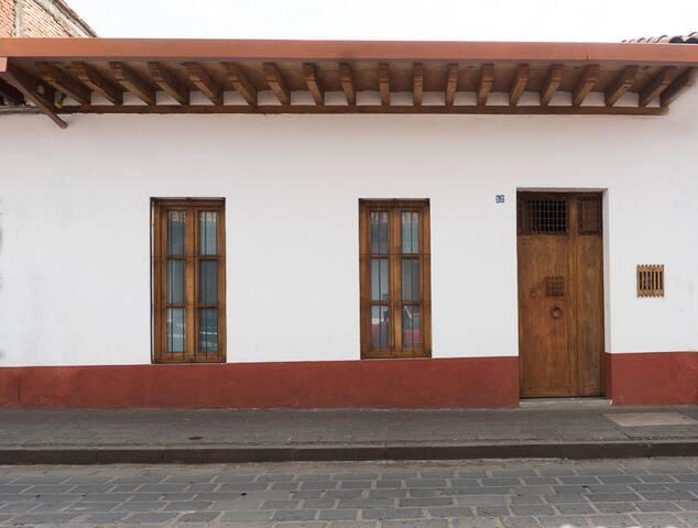 Front of Casa Lloreda