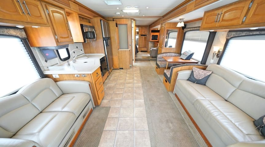 RV In The Woods And 10 Minutes From It All!
