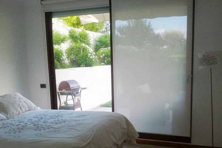 Bello Dpto 1 piso en Marbella: 2 cuartos + jardin