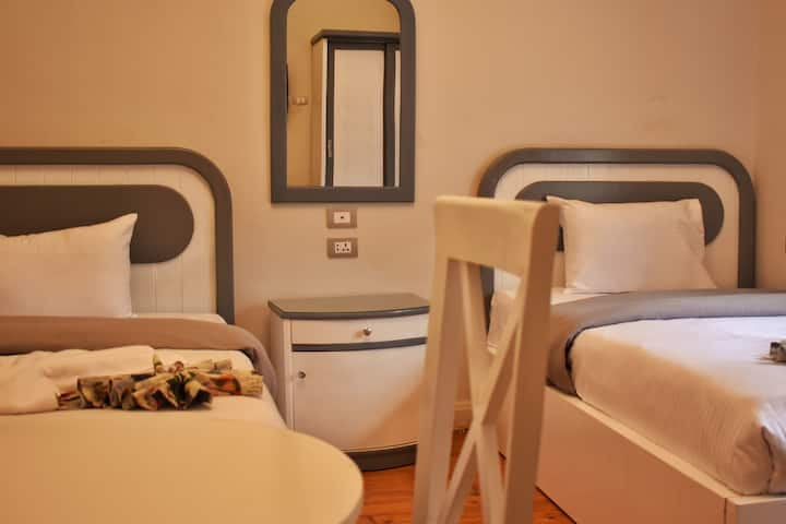 pretty room in great location downtown cairo