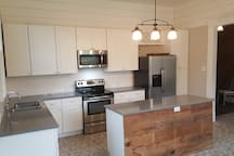 Brand New Kitchen! (There's free wi-fi, a Smart TV, speakers for your device, and printer in the kitchen area).