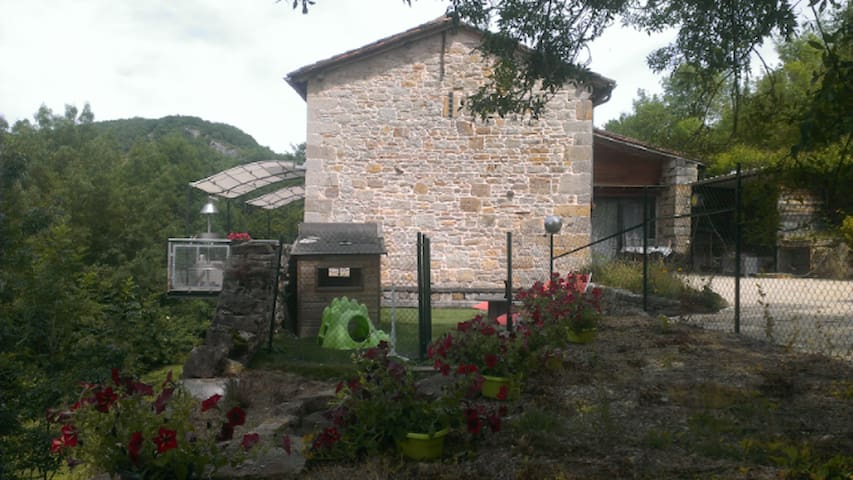 Cottage of charm with jaccuzi - Bruniquel - House