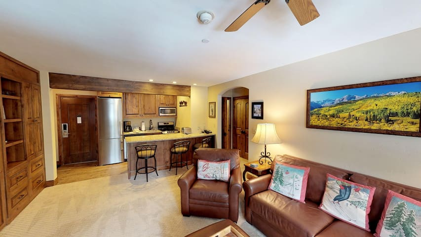 Remodeled One Bedroom with Beautiful Creek View