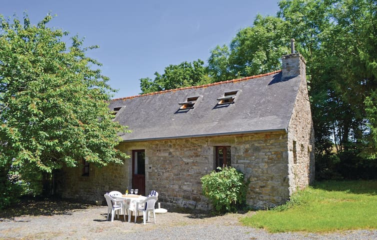 Holiday cottage with 2 bedrooms on 70m² in TREMEL