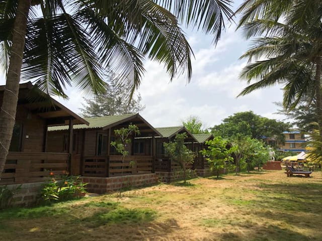 The Divine Homestay (Wooden Cottages)
