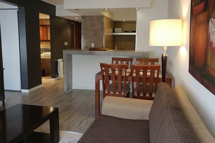 Downtown Apartment City View 301, by Urbana Suites