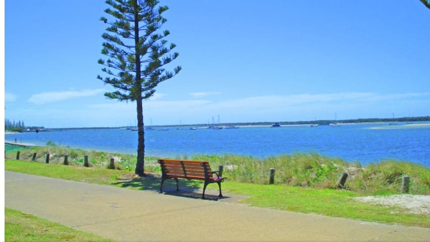 Beautiful Broadwater on Biggera !!! - Gold Coast  - Apartment