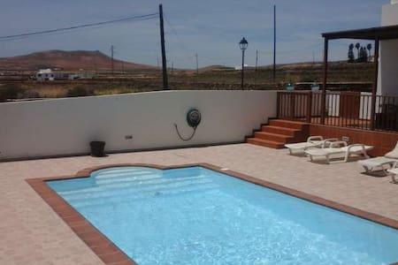 Villa MIJYN in El Mojon for 6 perso - El Mojón