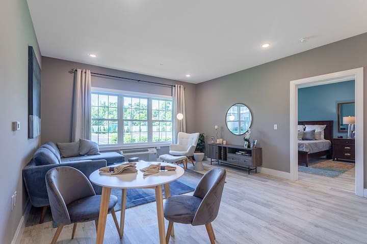 Luxury 1BR | Resort Style Amenities | Somerville