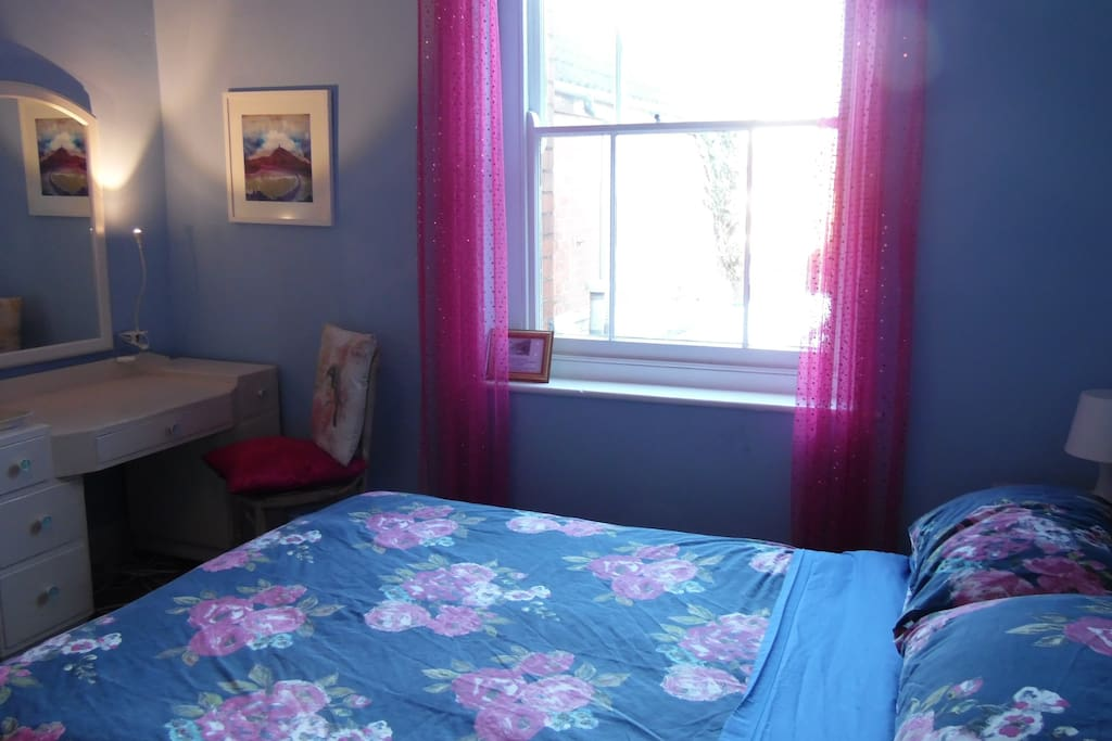 Blue Room, One doubkle bed and one single. Quiet cosy space, blue lilac decor,  TV, Internet, Tea and Coffee making facilities