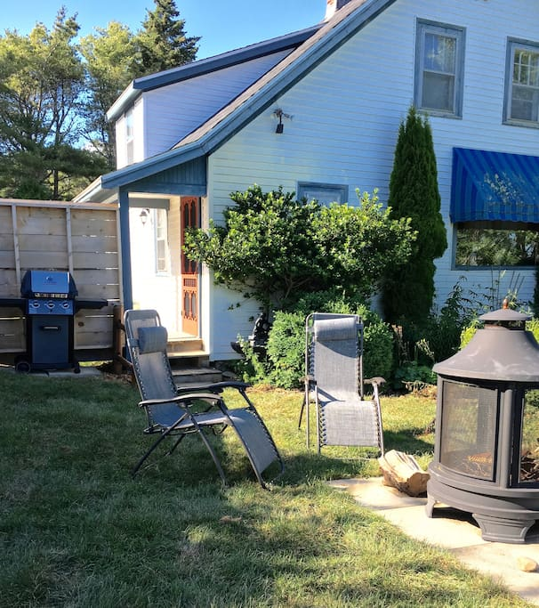 Barbecue and outdoor fire place area