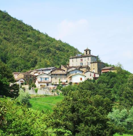 Villetta nell'antico borgo - Contile - House
