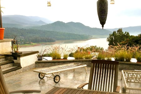 PENTHOUSE-TERRACE: Romance + unforgettable sunsets - Valle de Bravo