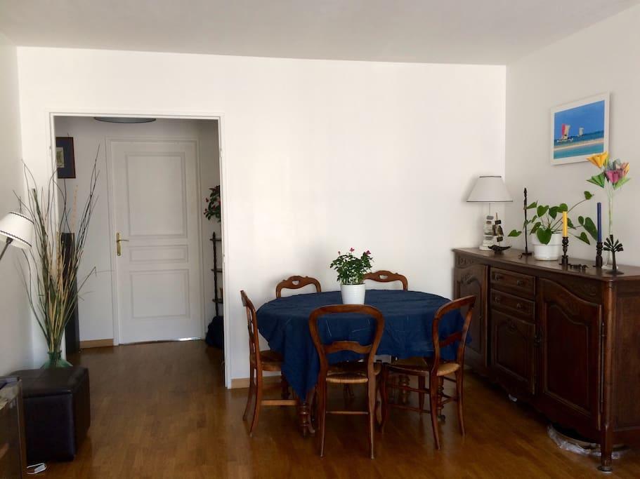Salle à manger / living room