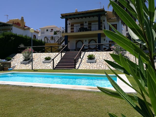 Cadiz - Luxury Villa -  Pool & Garden for 10