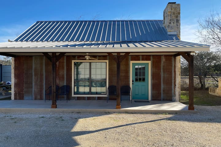 Cabins on the Frio - River Rock Cabin #2