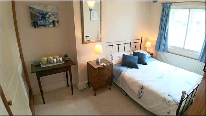 Double room in Spacious Cottage Landkey Barnstaple