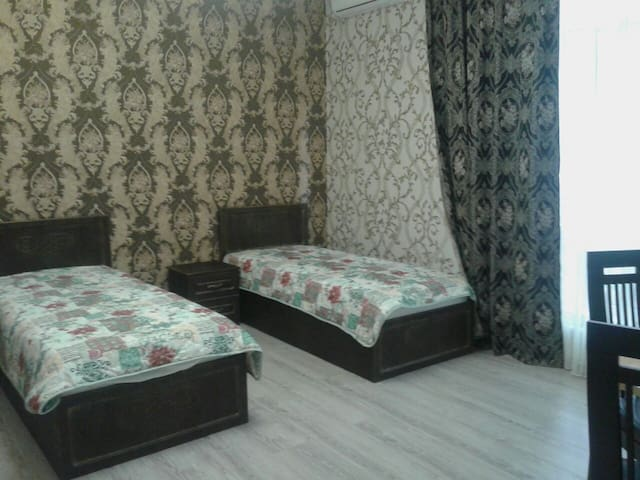 Новый гостевой дом. Шикарные номера - Sochi - Bed & Breakfast