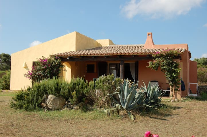 Villa panoramica a Santa Teresa di Gallura - Ruoni - Casa de camp