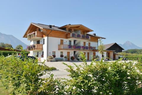 Útulný byt obklopený lúkami neďaleko Salzburgu-mesta