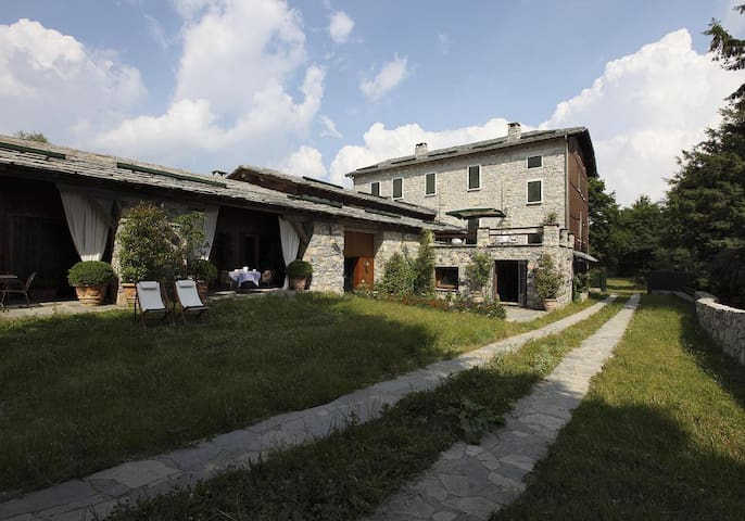 Cernobbio hill, Lake Como, Cottage with cover pool - Cernobbio - Casa