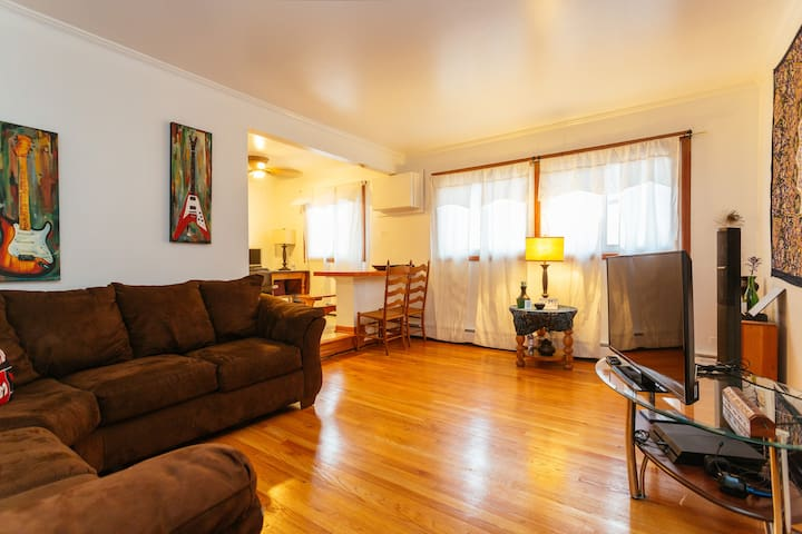 Safe and cozy apartment in Oak Park - Oak Park - Apartament