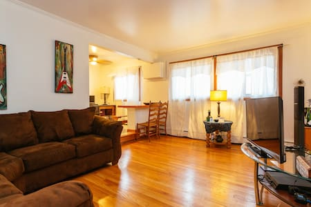Safe Cozy 1BD in upscale OakPark - Appartement en résidence