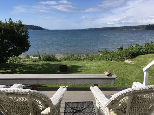 Whidbey Island beach house, quiet, cosy-love