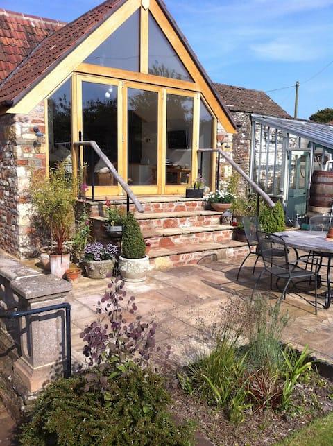 Unique Garden Apartment